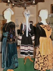 Exposition de costumes bretons mars-2011