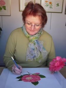 Catherine Brasebin en plein travail à partir d'une fleur naturelle